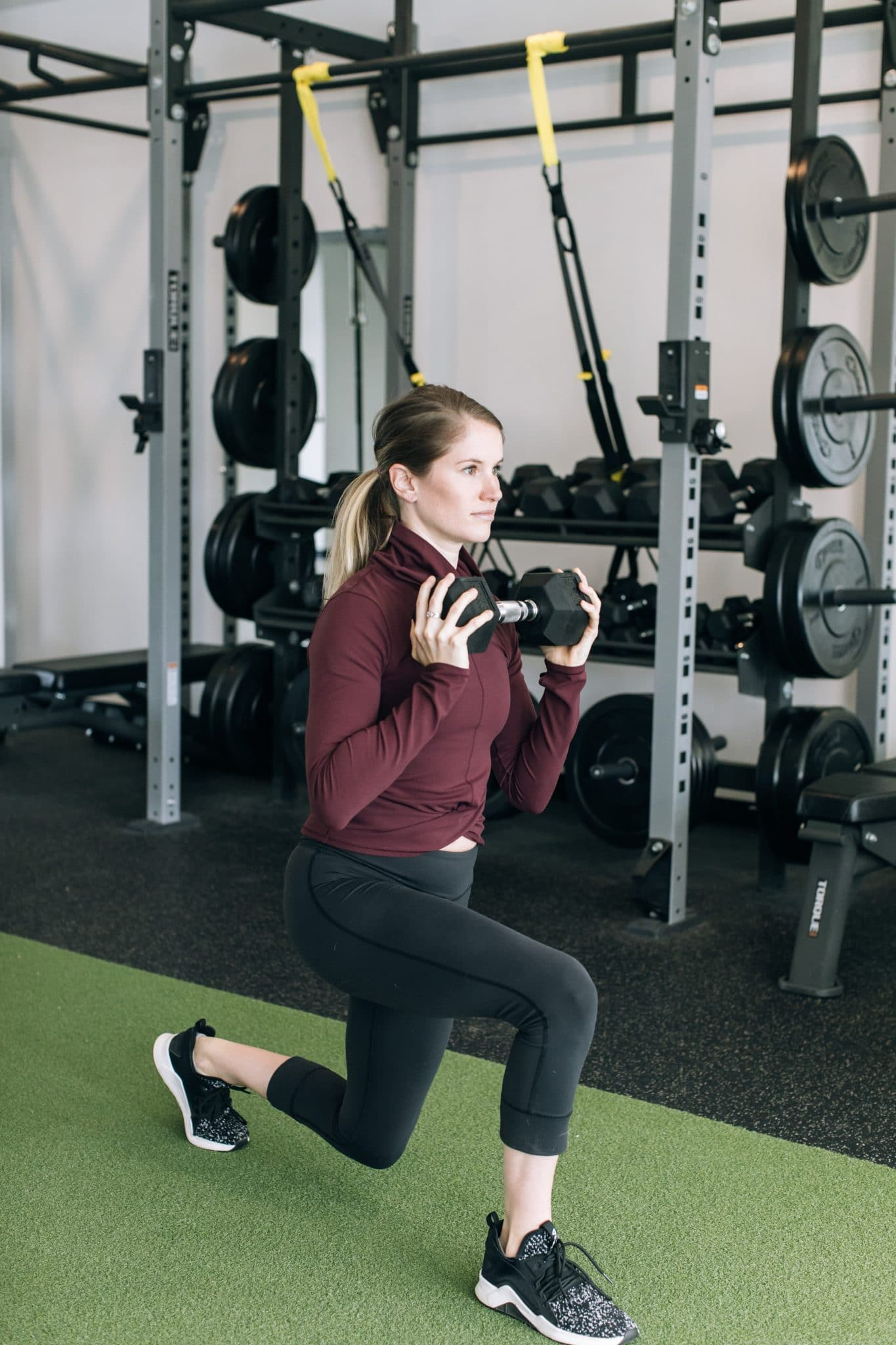 woman-lunging-with-weight